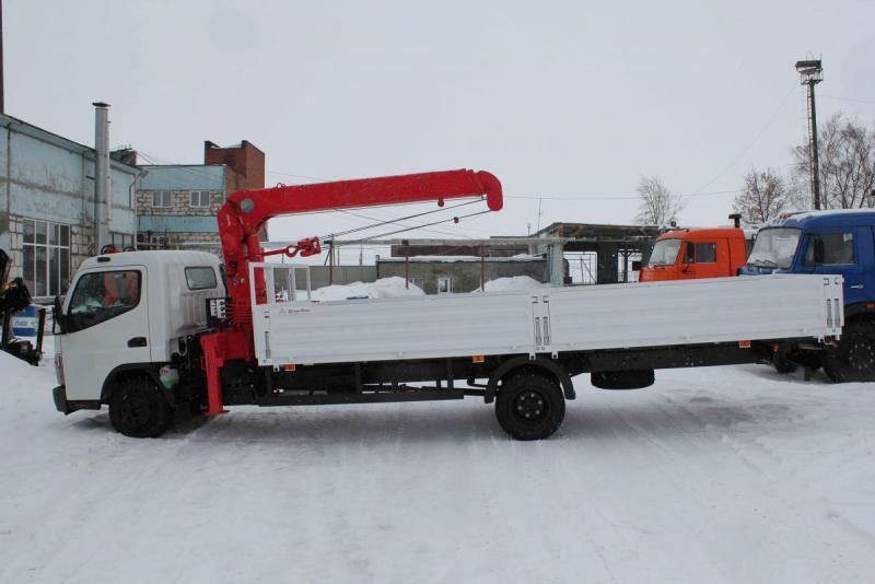 Бортовой грузовик Mitsubishi с КМУ 3т