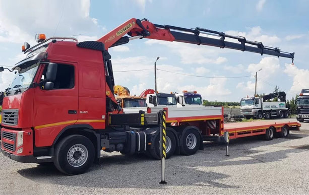 Манипулятор-длинномер Volvo с низкорамной платформой