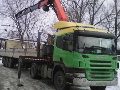 Бортовой длинномер Scania с манипулятором